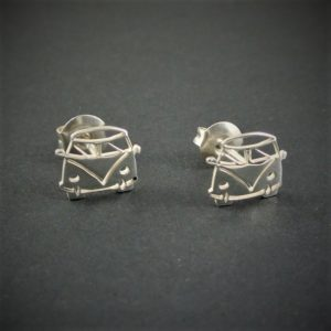 OJME115-pendientes-furgoneta-camper-vw-t1-silver-925-outdoor-jewels-001