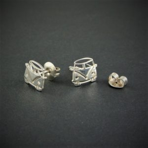 OJME115-pendientes-furgoneta-camper-vw-t1-silver-925-outdoor-jewels-002