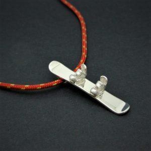 OJSE150-colgante-snowboard-formigal-silver-925-outdoor-jewels-red-006.jpg