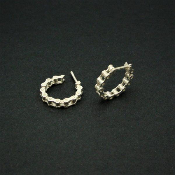 OJCE171-pendientes-cadena-bicicleta-col-de-turini-plata-925-outdoor-jewels-002.jpg